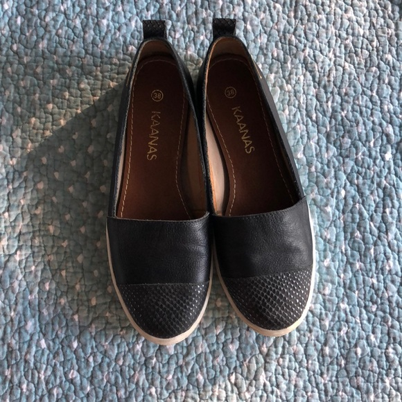 kaanas Shoes - Kaanas black slip on shoes size 8 (38)